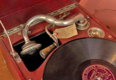 Wishbarn Antiques Gramophone